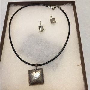 Silver pendant with silver earrings